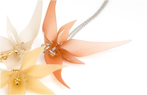 urban flower necklaces