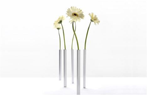 Peleg Design | Shahar Peleg | Magnetic Vases