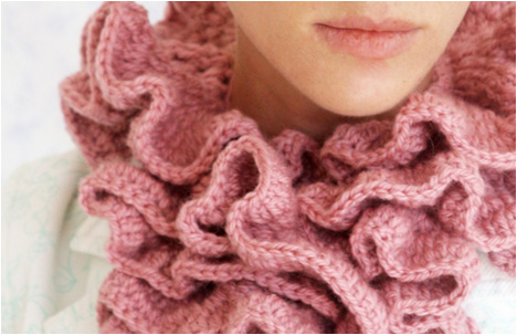 Little White Dresser | Avishag Kopelman | Victorian Crocheted Scarf