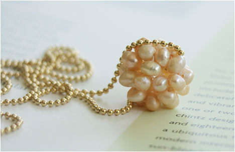 Pearl Is In The Air Necklace