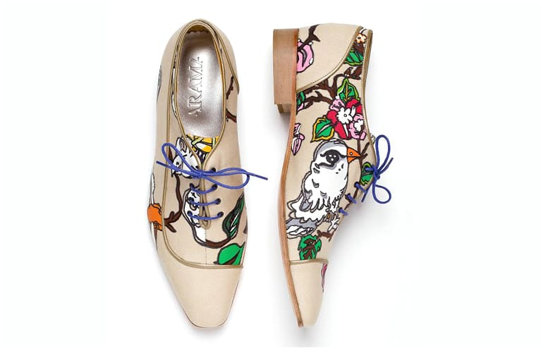 When a shoe designer and a wicked artist collide,only good thingscome out of it. Oded Arama and Keren Shpilsher illustrated shoe collection. // via: Design Break