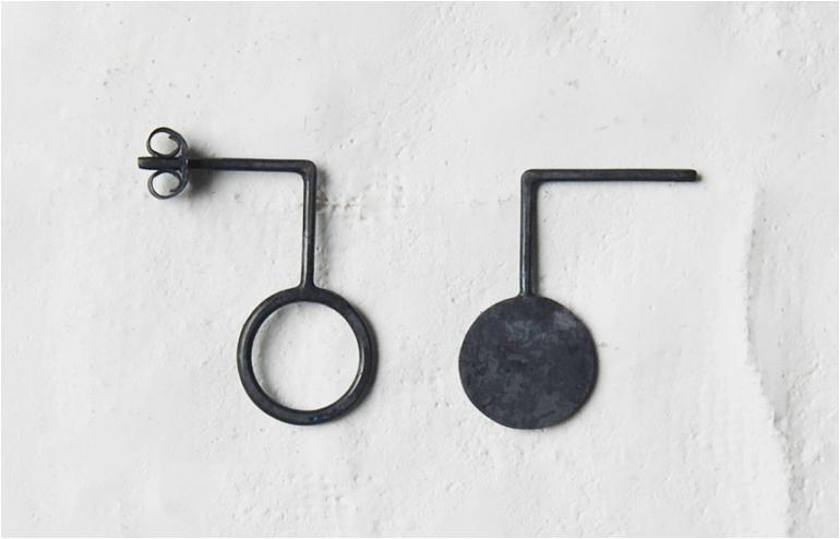 Ag-Jc's geometric earrings. // via: Design Break