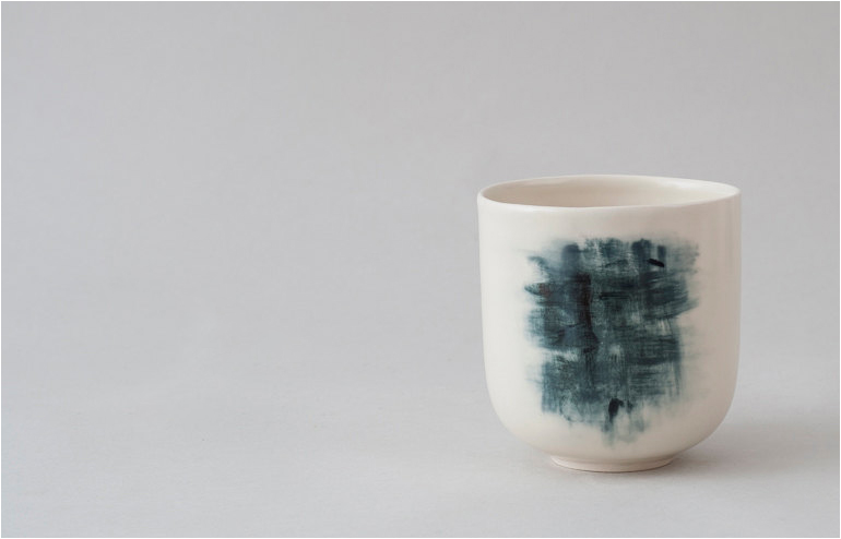 Yulia Tsukerman's abstract paintings turn into minimal ceramics. // via: Design Break